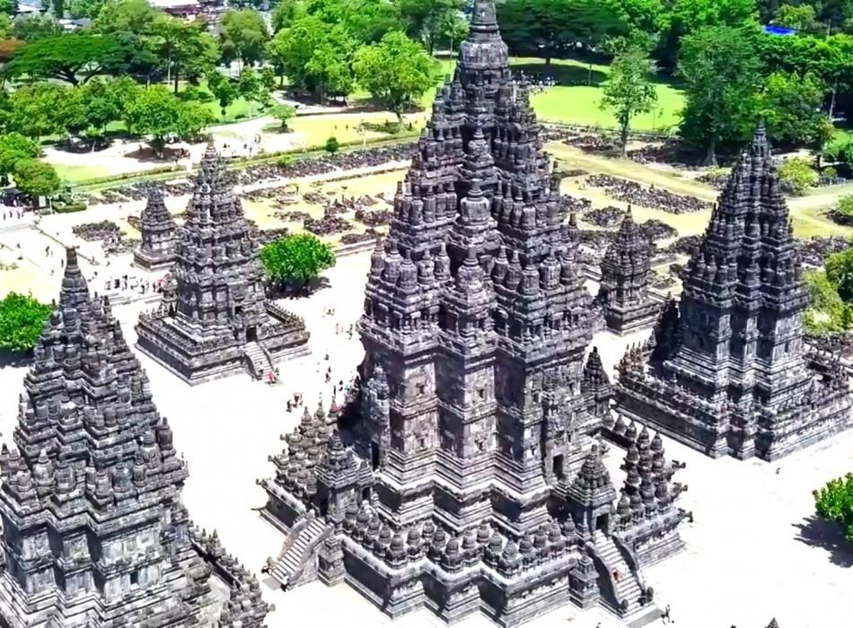 Borobudur Sunrise & Prambanan Temples Tour from Yogyakarta