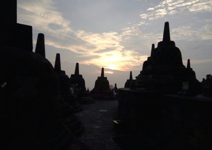 3 Day Private Tour to Borobudur Sunrise, Merapi Volcano Jeep, Sightseeing & Prambanan Temple