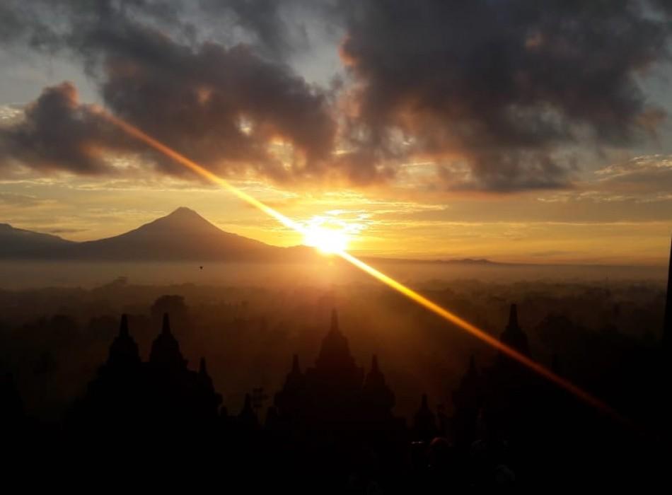 Borobudur Sunrise Tours