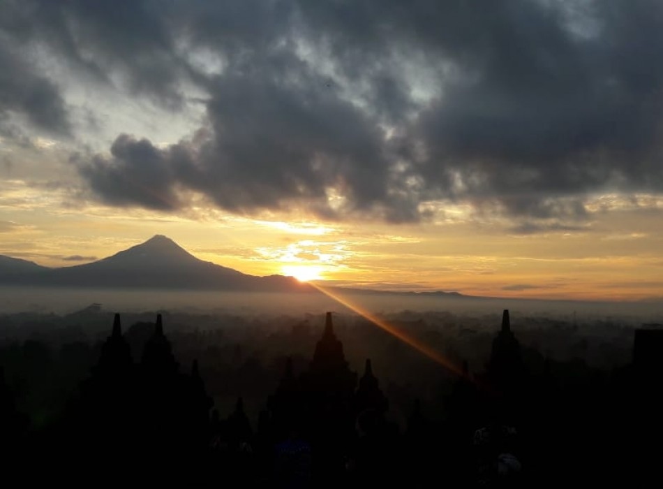 Borobudur Sunset Trip