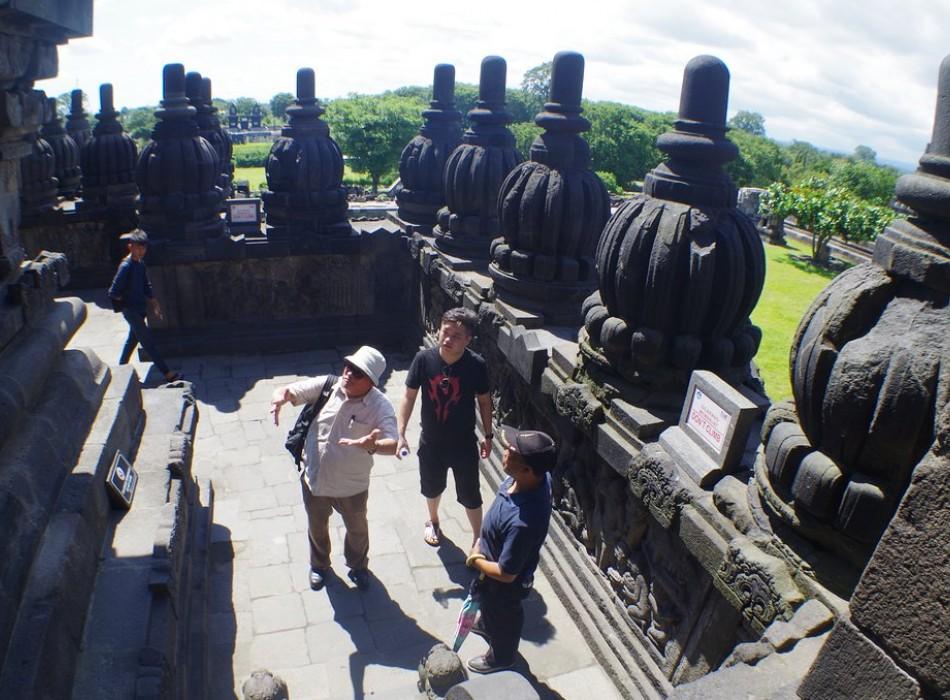 Borobudur Prambanan Trips